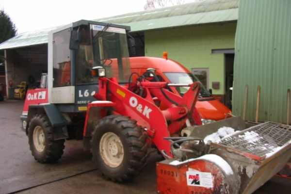 98radlader-mit-betonmischerB39E1274-59B5-E2E1-2222-D97DEED0ADAE.jpg